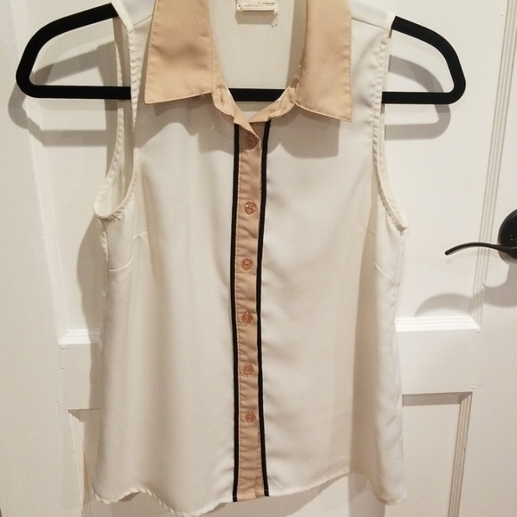 Urban Outfitters Tops - Urban Outfitters Sleeveless Collared Blouse